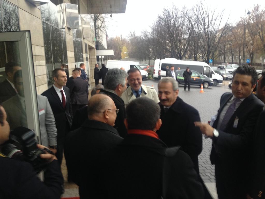 Zafer Çağlayan Polonya-Türkiye İş Forumu'ndaki Konuşmasını Yapmak Üzere Otele Geldiğinde Gazeteci Fatih Altaylı da Oradaydı..